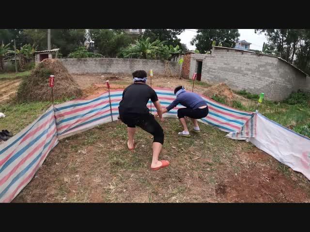 Hưng Troll | Trận Chiến Bịt Mắt Bắt Vịt Nhận Thưởng 10 Triệu
