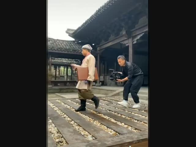 Cười té ghế hậu trường phim cổ trang Trung Quốc
