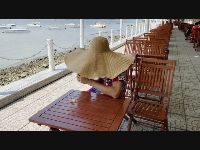 """Set đồ 800 triệu mặc đi biển của Mạc Văn Khoa - Đẳng cấp """"Rich kid"""" lầy lội"""