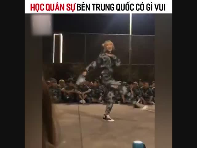 Học quân sự bên Trung Quốc có gì vui