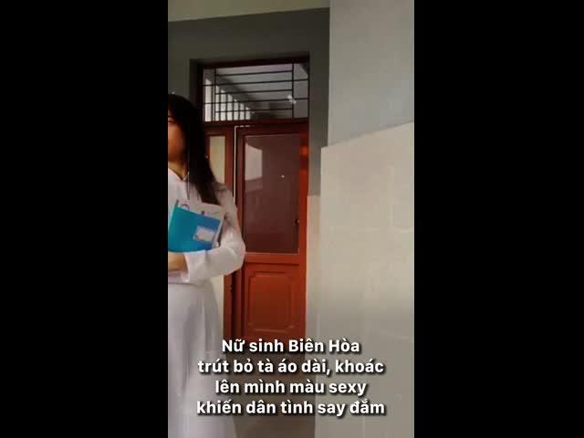 Nữ sinh Biên Hòa trút bỏ tà áo dài, khoác lên mình màu sexy khiến dân tình say đắm