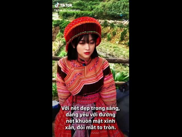Nhan sắc hút hồn của 'hot girl ảnh thẻ' dân tộc Giáy